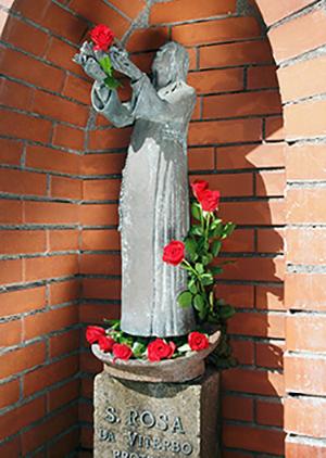 viterbo_statua_santa_rosa_23